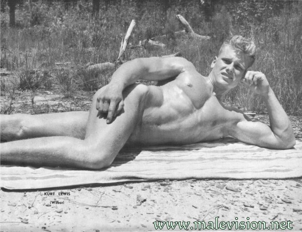 muscle man nude outdoors