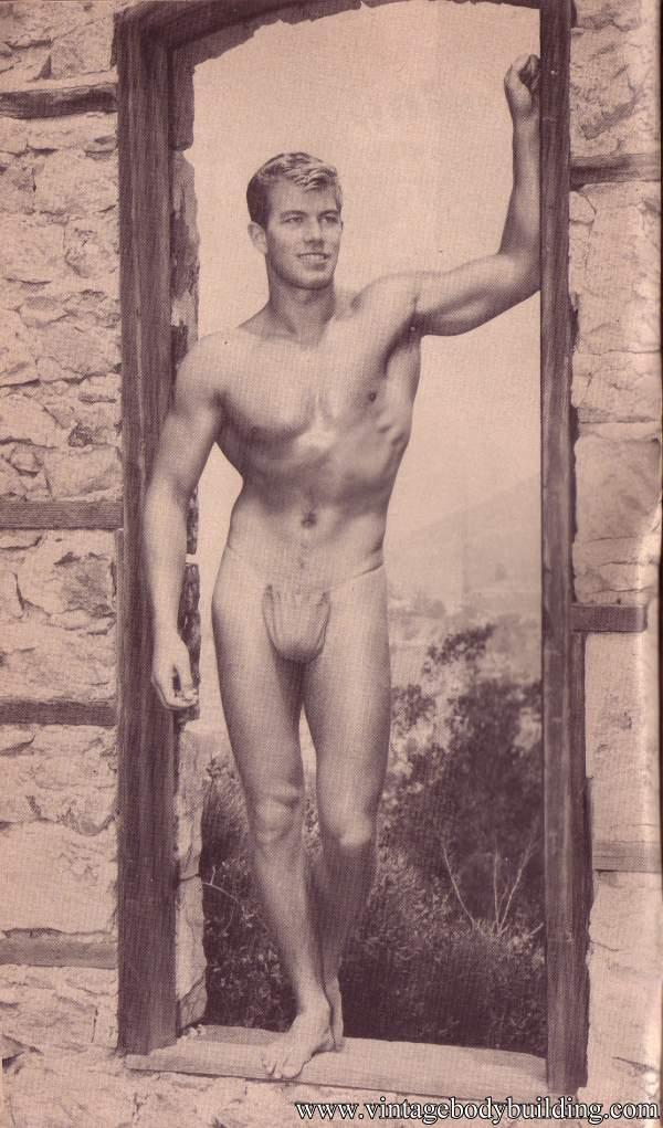 Bodybuilder physique vintage photo