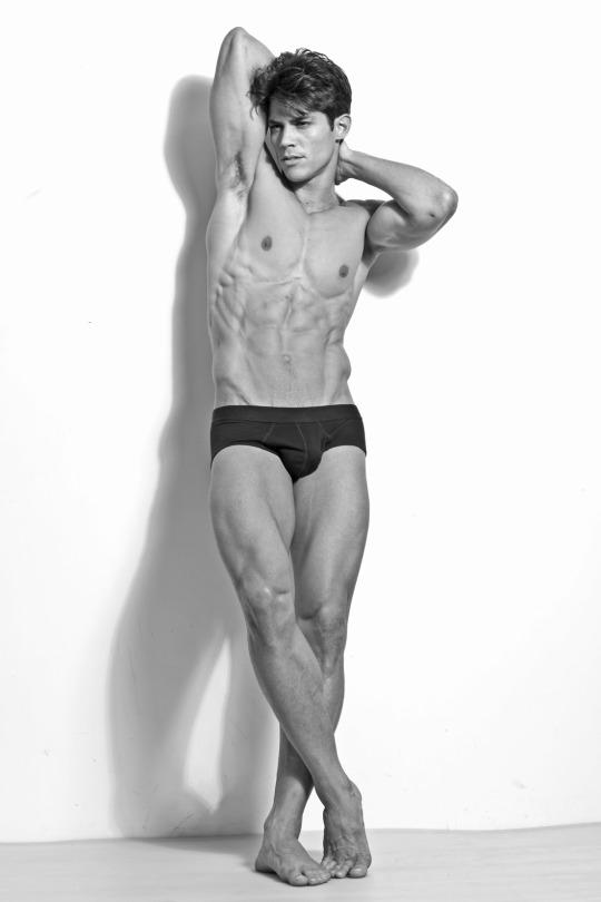Brazilian fitness model Carlos Freiere