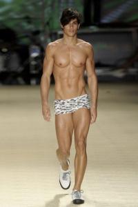 Carlos Freiere on a runway