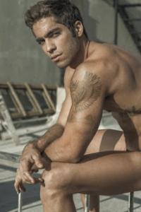 Gorgeous Pedro Arnon