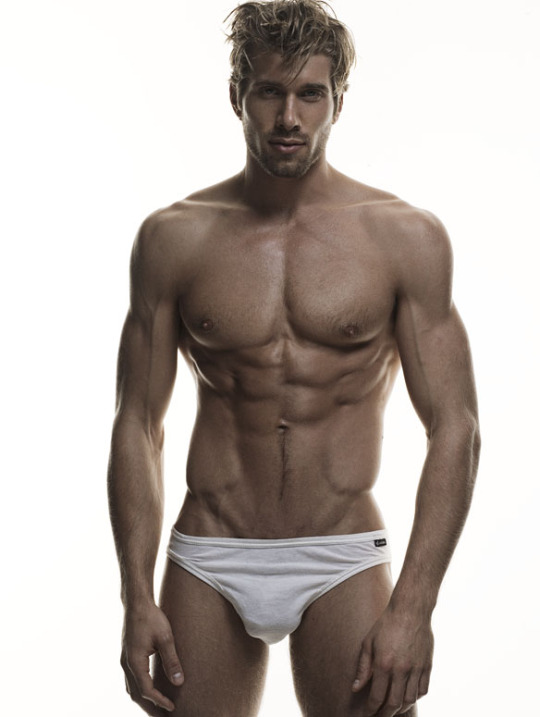 Kris Kranz male fitness model