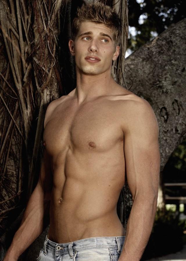 muscle fashion model Kris Kranz