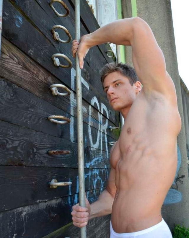 young bodybuilder Ryan Scott